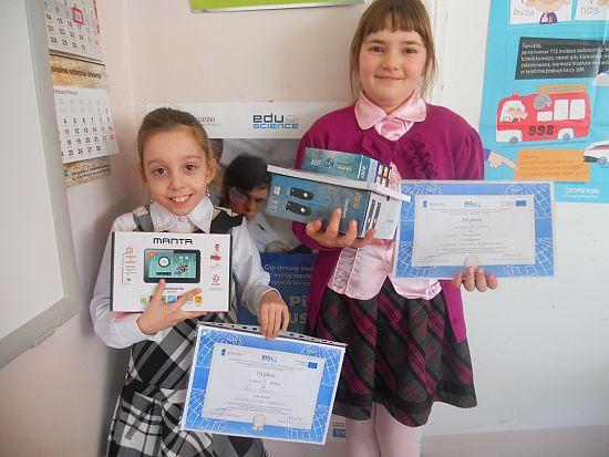 Wspaniałe nagrody dla uczennic z SP Zgłobień