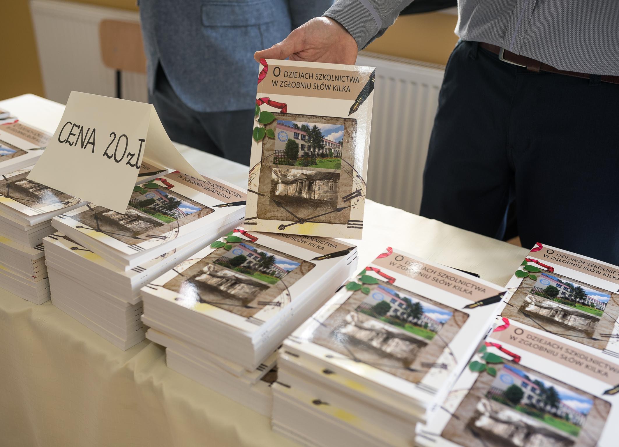 Książka o historii szkoły w Zgłobniu – w sprzedaży
