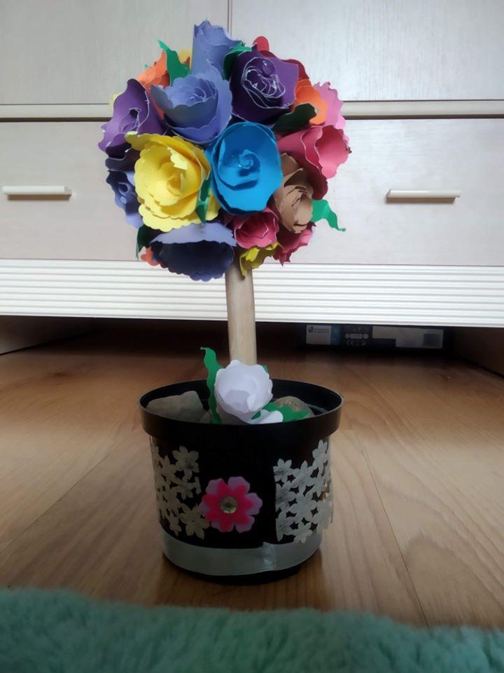 Drzewka szczęścia w wykonaniu uczniów klasy III.